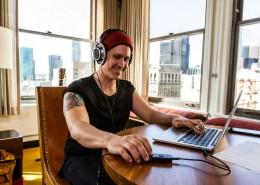 Groove-MacBookPro-Sennheiser-800s-Musician-Hotel-CityView-IMG_0968